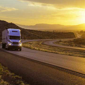Trucking companies have a variety of options for TL and LTL fright services.